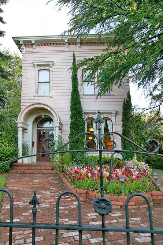Camellia Inn Gate