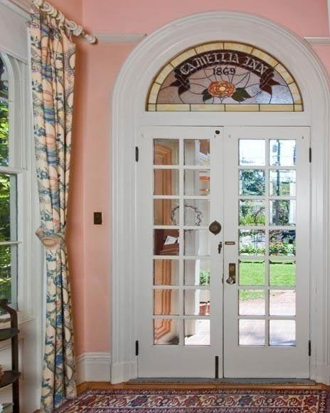 Camellia Inn door